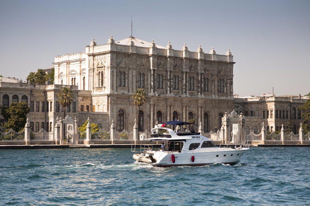 Stock Photo: 4290-3677 Dolmabahce Palace, beside the Bosphorus, Istanbul, Turkey