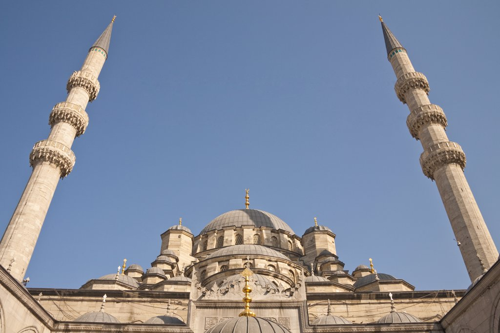 Stock Photo: 4290-3714 New Mosque, also known as Eminonu Yeni Camii, Eminonu, Istanbul, Turkey
