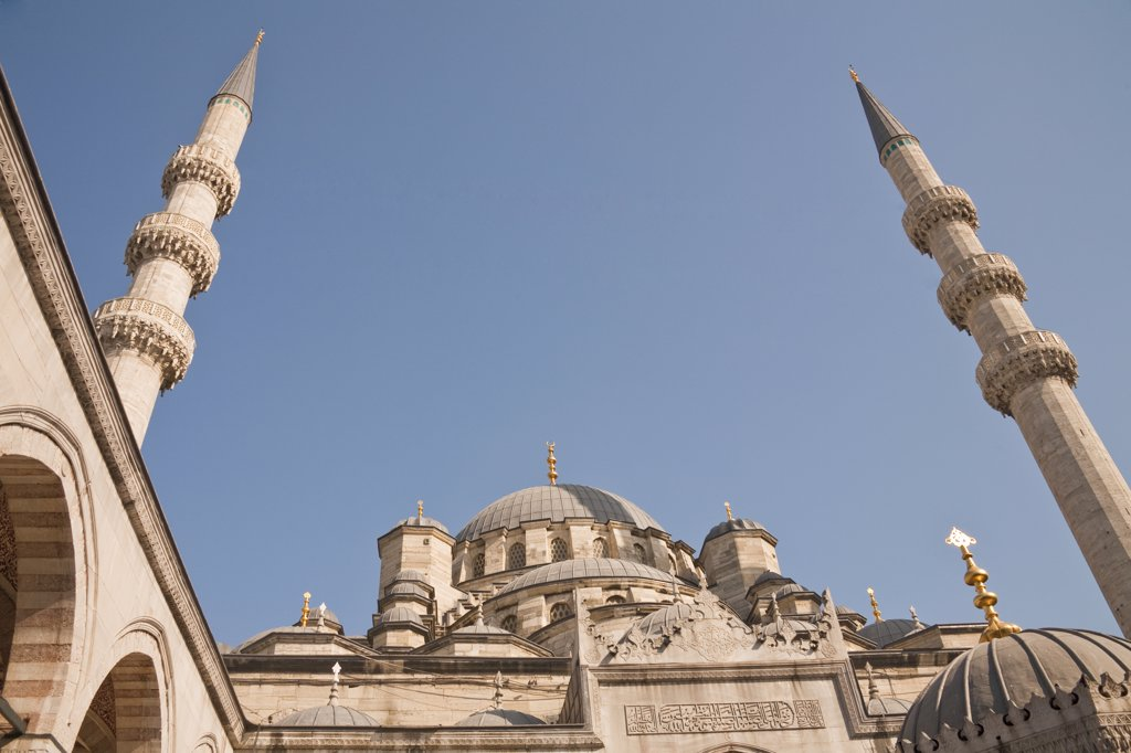 Stock Photo: 4290-3719 New Mosque, also known as Eminonu Yeni Camii, Eminonu, Istanbul, Turkey