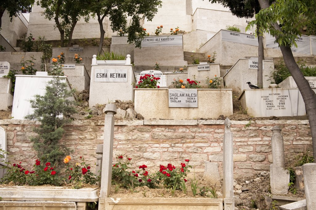 Graves in cemetery beside the Eyup Sultan Mosque, Eyup, Istanbul, Turkey : Stock Photo