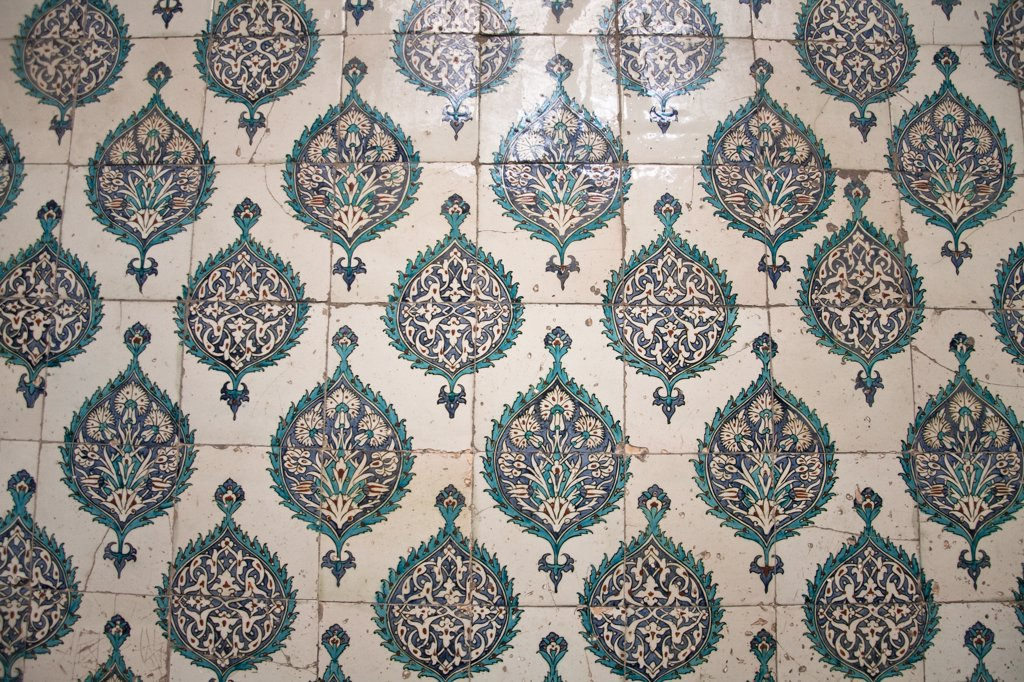 Stock Photo: 4290-3828 Ceramic tiled wall in The Harem, Topkapi Palace, also known as Topkapi Sarayi, Sultanahmet, Istanbul, Turkey