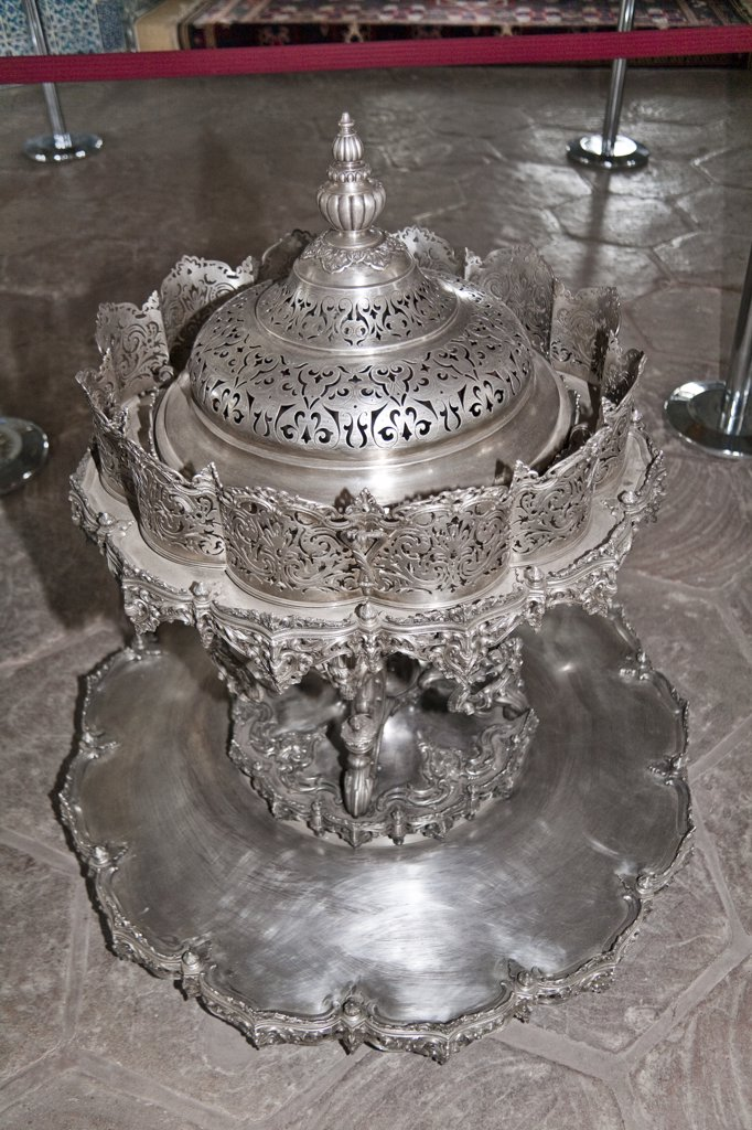 Stock Photo: 4290-3847 Silver mangal in Baghdad Pavilion, Topkapi Palace, also known as Topkapi Sarayi, Sultanahmet, Istanbul, Turkey