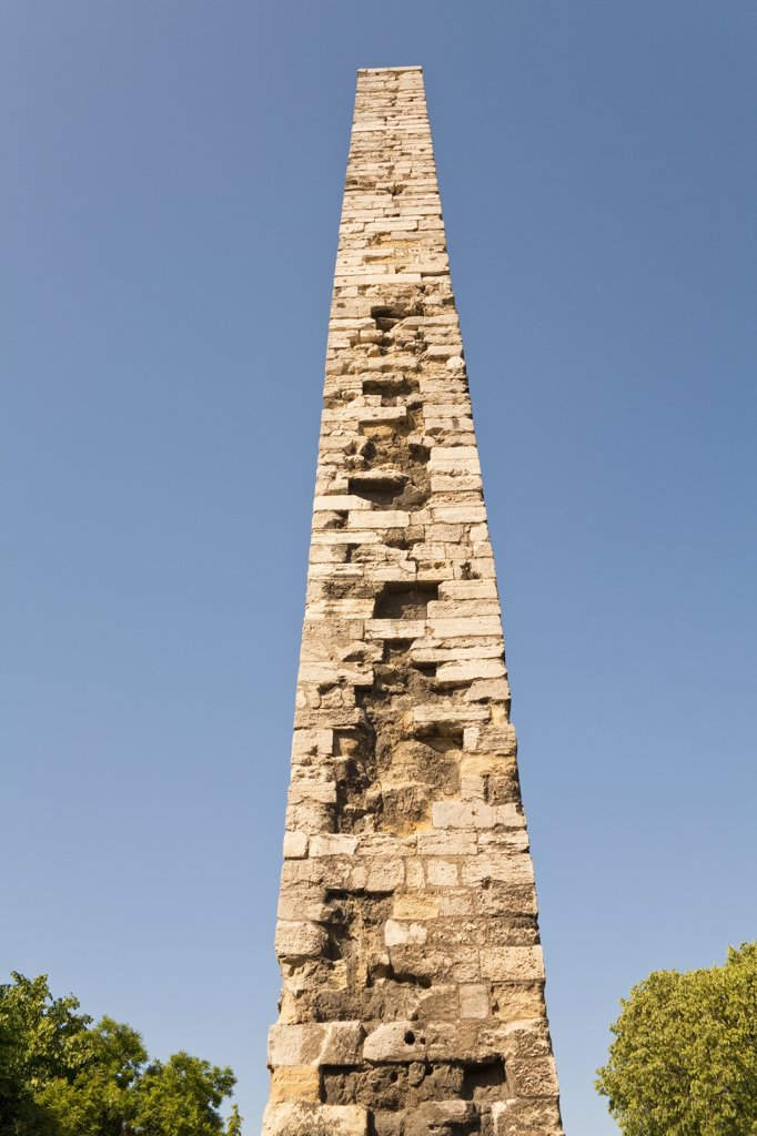 The Column of Constantine in the Hippodrome, Istanbul, Turkey : Stock Photo