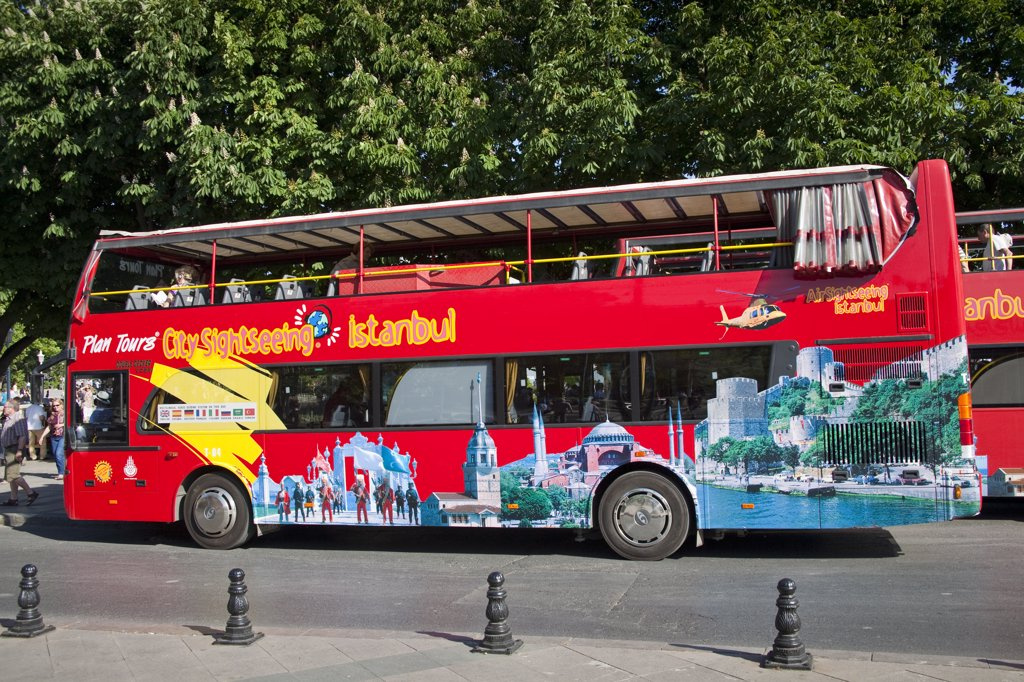 Stock Photo: 4290-4015 Istanbul city sightseeing bus, Istanbul, Turkey