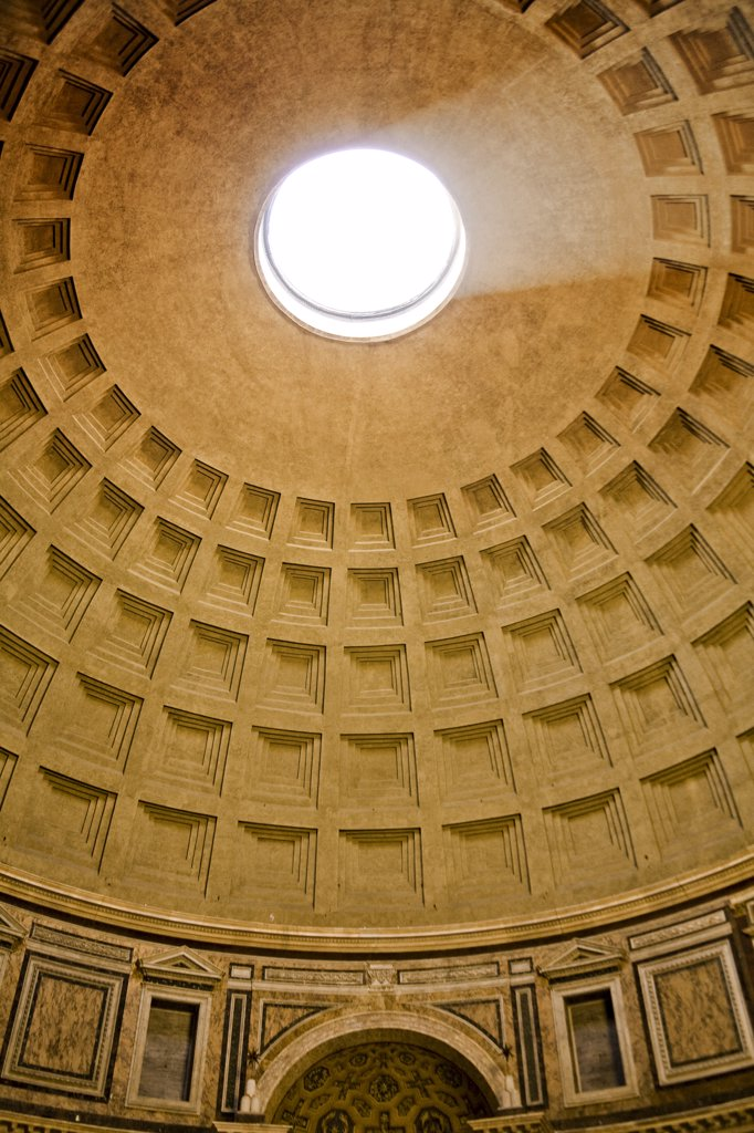 Internal photo of the dome and oculus in the Pantheon, Piazza della Rotonda, Rome, Italy : Stock Photo
