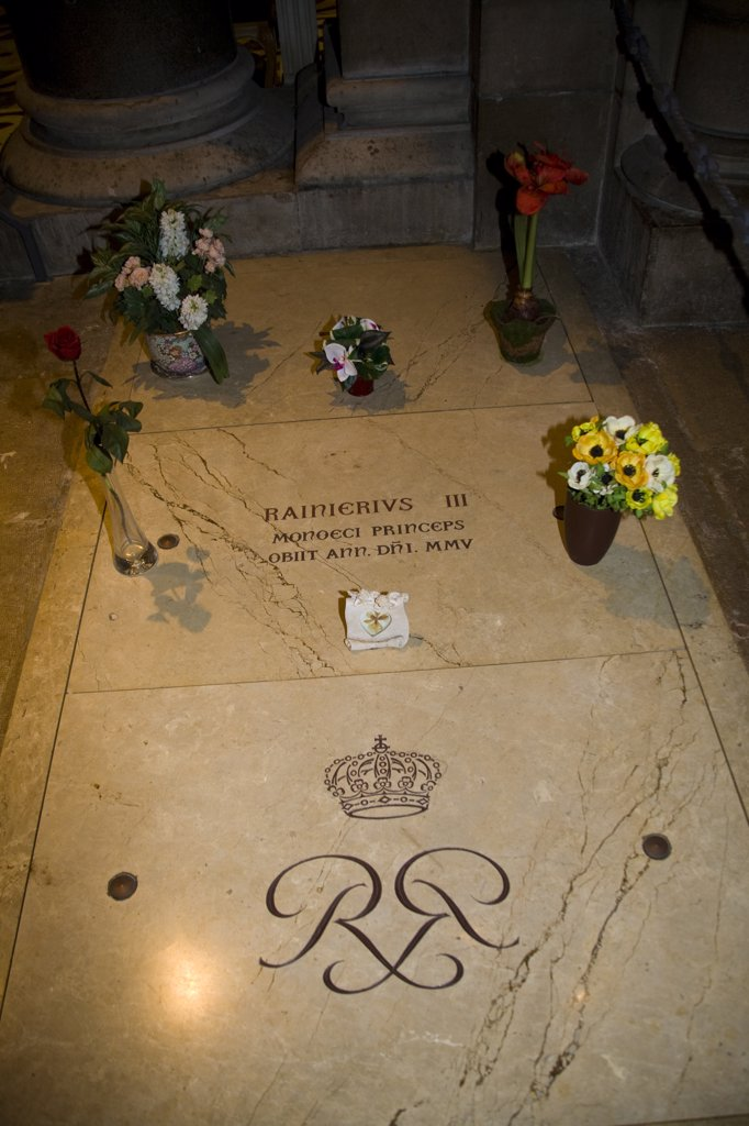 Prince Rainier's tomb inside Saint Nicholas Cathedral, Monaco, France : Stock Photo