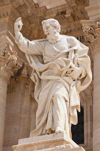 Stock Photo: 4290-5023 Statue of Saint Paul outside Syracuse Cathedral, Piazza Duomo, Ortygia, Syracuse, Sicily, Italy