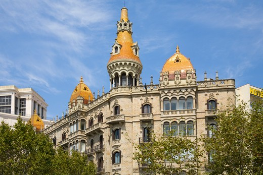 Stock Photo: 4290-5053 Building beside Placa de Catalunya, Barcelona, Spain