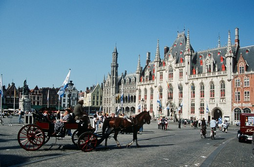 Stock Photo: 4290-5086 Horse and carriage and buildings in the Markt, Market Place, Bruges, Belgium