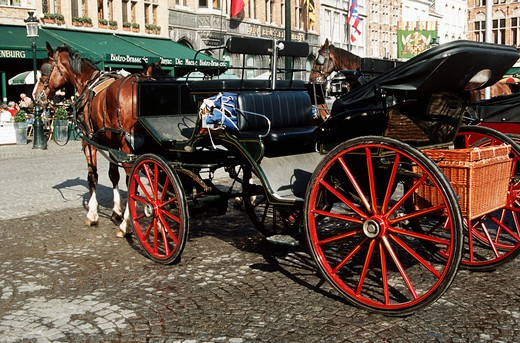 Stock Photo: 4290-5099 Horse and carriage in the Markt, Market Place, Bruges, Belgium
