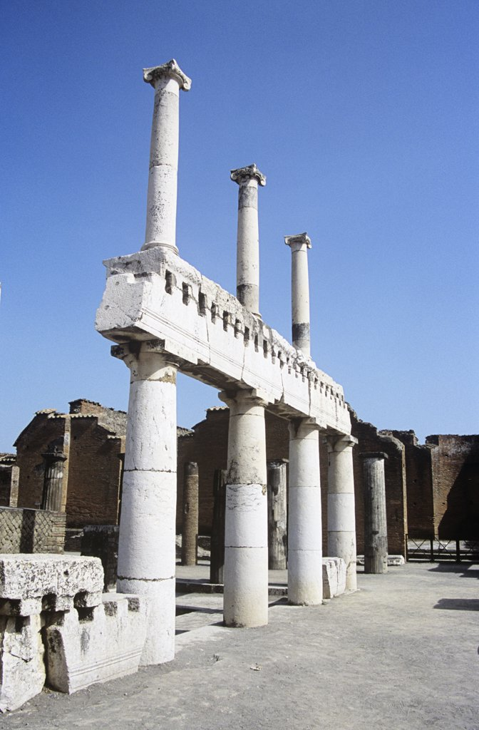 Stock Photo: 4290-5862 Ruins in the Pompeii archaeological site, Pompeii, near Naples, Campania, Italy
