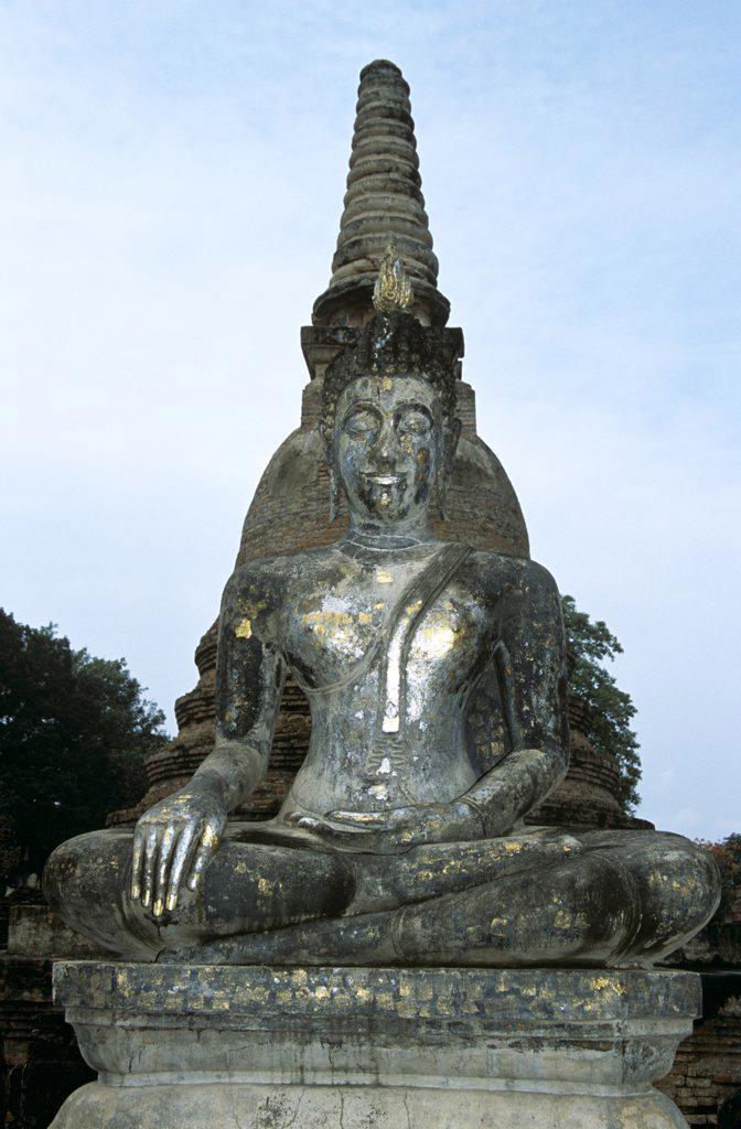Stock Photo: 4290-5950 Buddha statue, Wat Mahathat, Sukhothai Historical Park, Sukhothai, Thailand