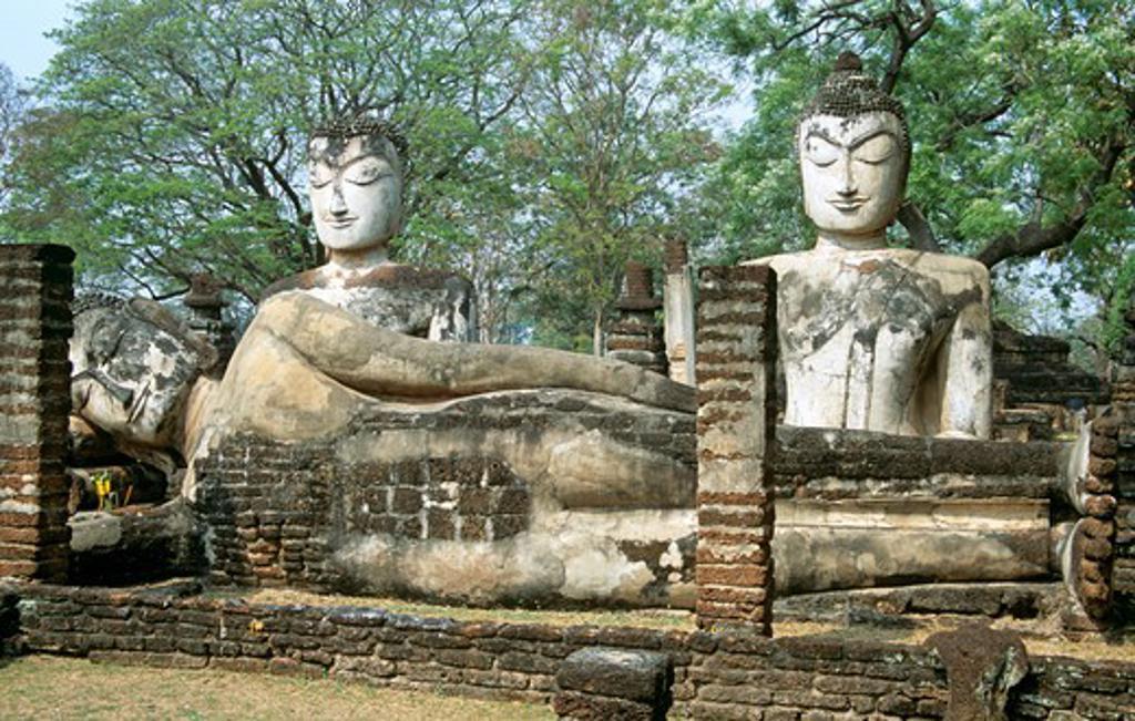 Statues in the Viharn, Wat Phra Kaeo, Kamphaeng Phet Historical Park, Kamphaeng Phet, Thailand : Stock Photo