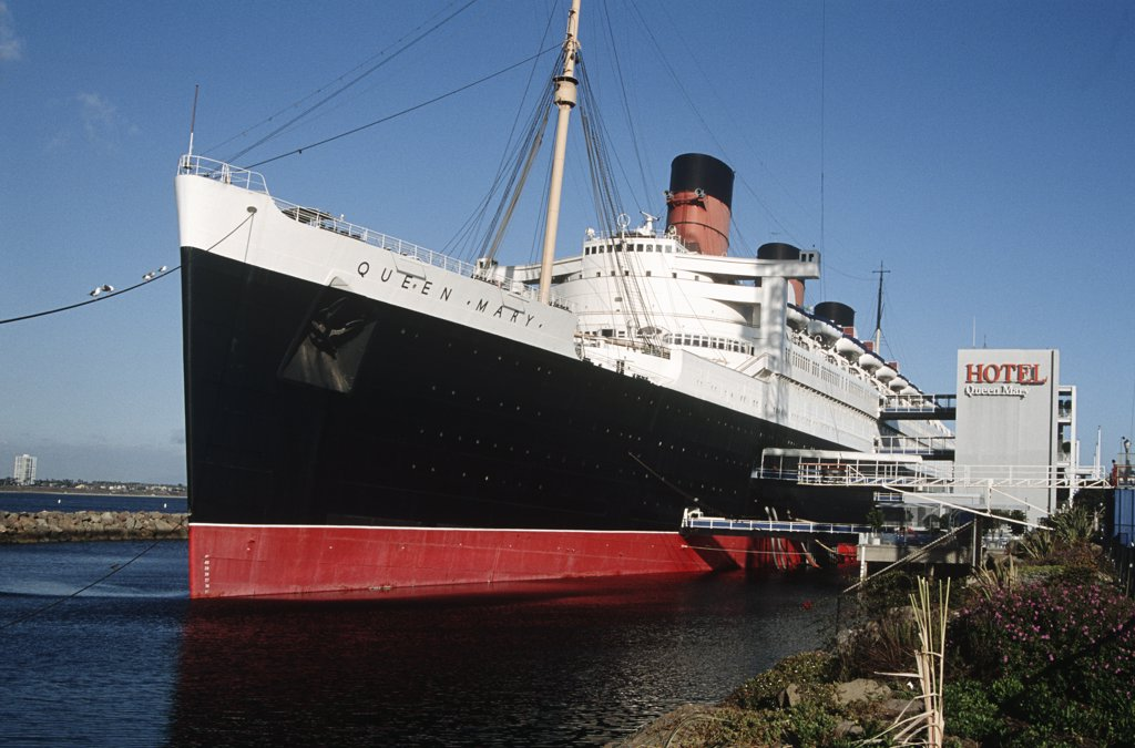 Stock Photo: 4290-6460 Queen Mary ship and hotel, Queen Mary Seaport, Long Beach, California, USA