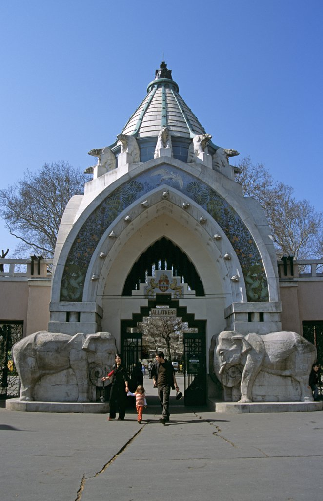 Stock Photo: 4290-6822 Budapest Zoo entrance, City Park (Varosliget), Budapest, Hungary