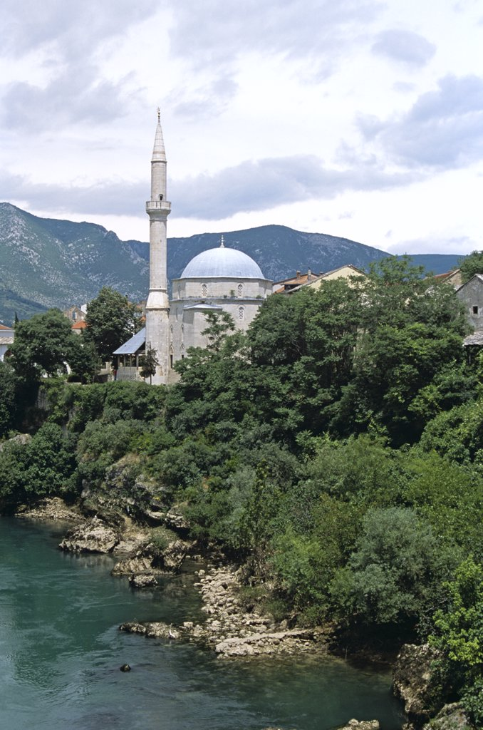 Stock Photo: 4290-8185 Koski Mehmed Pasha Mosque beside Neretva River, Mostar, Bosnia Herzegovina, Former Yugoslavia