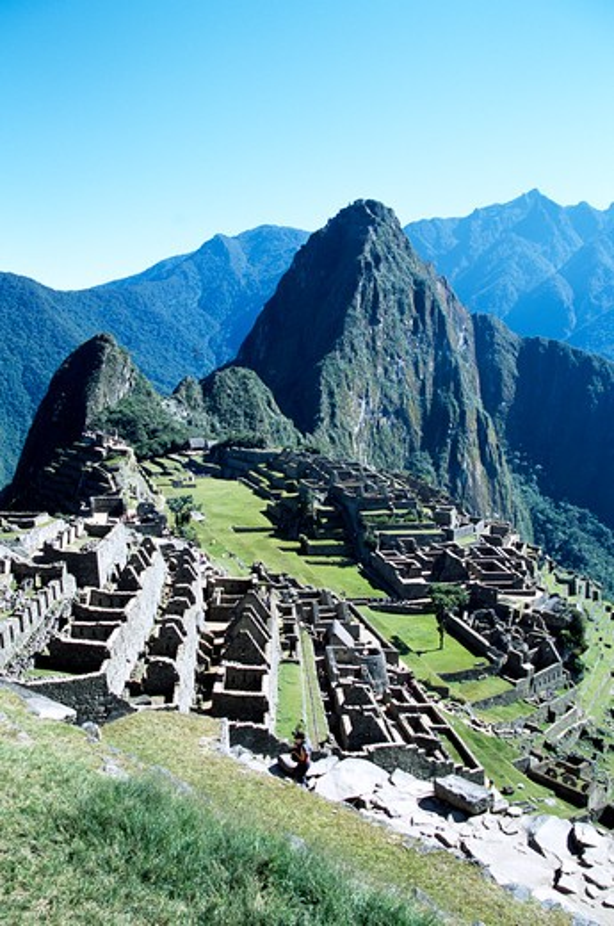 Stock Photo: 4290-8344 Machu Picchu Inca ruins and Huayna Picchu, Peru