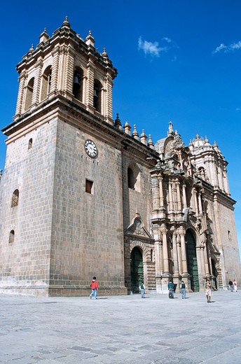 Stock Photo: 4290-8419 The Cathedral, part of three church complex including El Triunfo and Iglesia Jesus y Maria, Plaza de Armas, Cusco, Peru