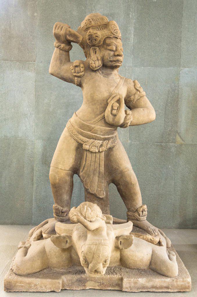 Vietnam, Danang, Danang Museum of Cham Sculpture, Stone statue of Dvarapala guarding gateway : Stock Photo