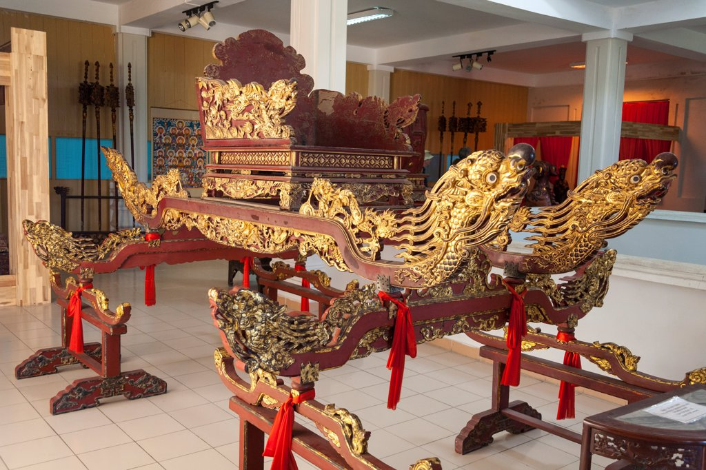 Stock Photo: 4290-9069 Vietnam, Danang, Danang Museum of Cham Sculpture, 18th century Kieu Go Son Thep palanquin