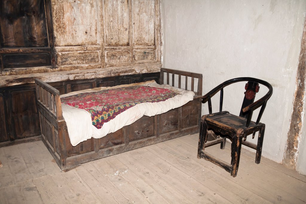 Stock Photo: 4290-9733 Old furniture in a room, Yunnan Horse Caravan Cultural Museum, Yunnanyi, Yunnan Province, China
