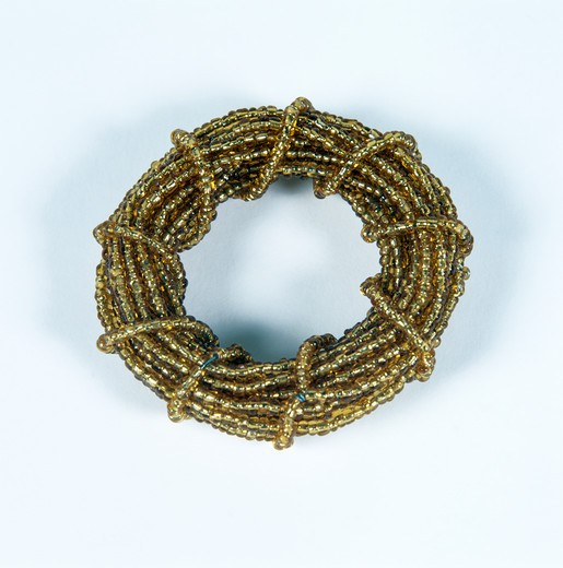 Stock Photo: 4291-14763 Close-up of beading wreath