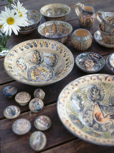 Stock Photo: 4291-1857 Close-up of hand-made decorated bowls