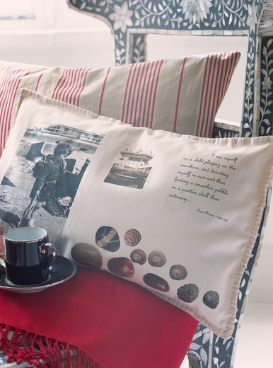 Stock Photo: 4291-23187 White cushion with photograph print