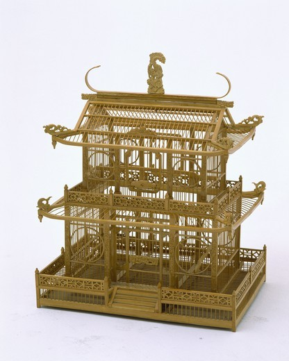 Close-up of Chinese-style wicker birdcage : Stock Photo