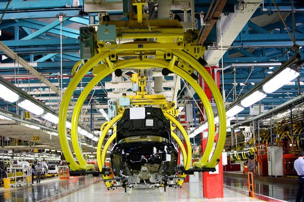 Italy, Piedmont, Turin, Mirafiori. Fiat car factory assembling plant : Stock Photo