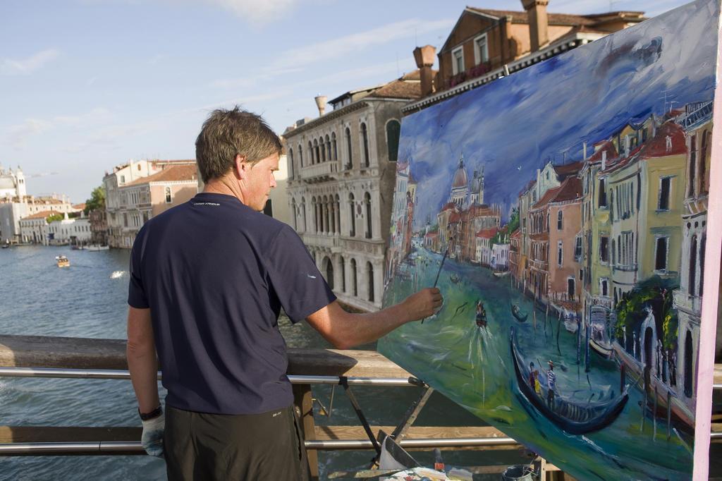 Italy, Veneto, Venice, Painter : Stock Photo