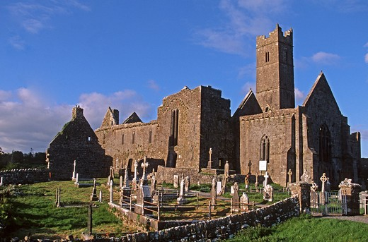 Stock Photo: 4292-105385 Ireland, Clare,Quin Abbey