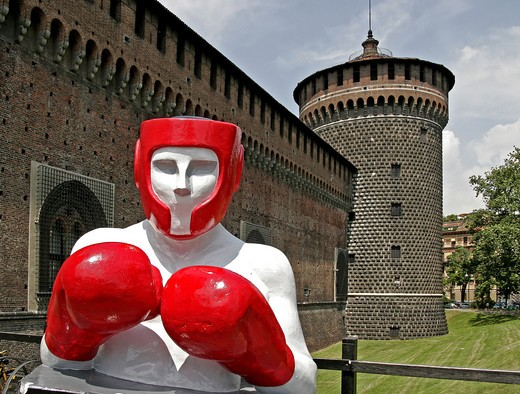 Stock Photo: 4292-109111 Italy, Lombardy, Milan, the Castello Sforzesco, boxer sculptures