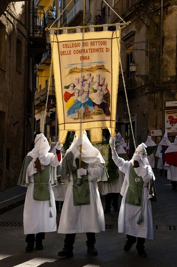 Italy, Sicily, Enna. Easter Holy Week procession : Stock Photo