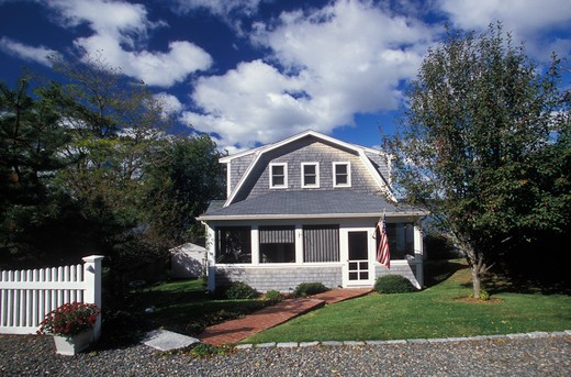 Stock Photo: 4292-112337 USA, New England,cottage in New England (property relase)