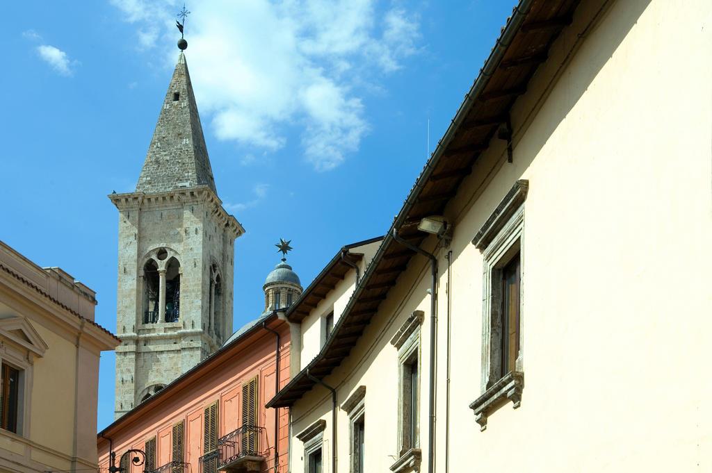 Stock Photo: 4292-113540 Italy, Abruzzo, Sulmona, the Annunziata belltower