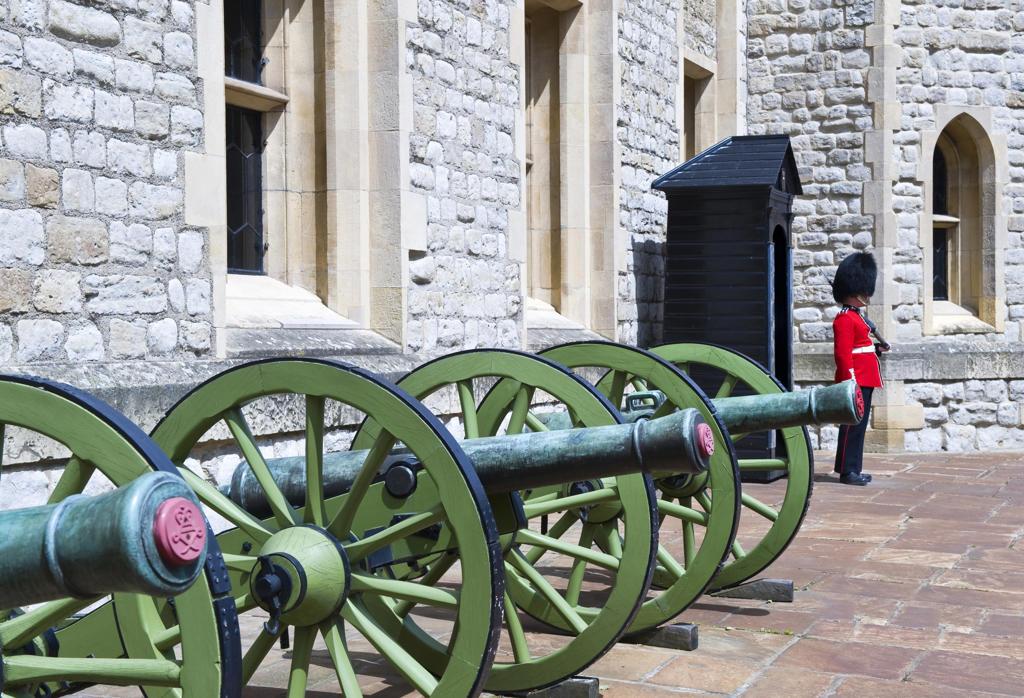 UK, England, London.royal guard at London Tower. : Stock Photo