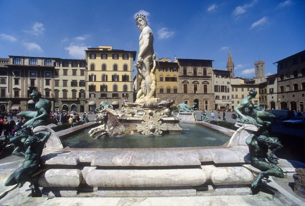 Stock Photo: 4292-117183 Italy, Tuscany, Florence, Piazza Signoria, Ammanati fountain and Nettuno statue.
