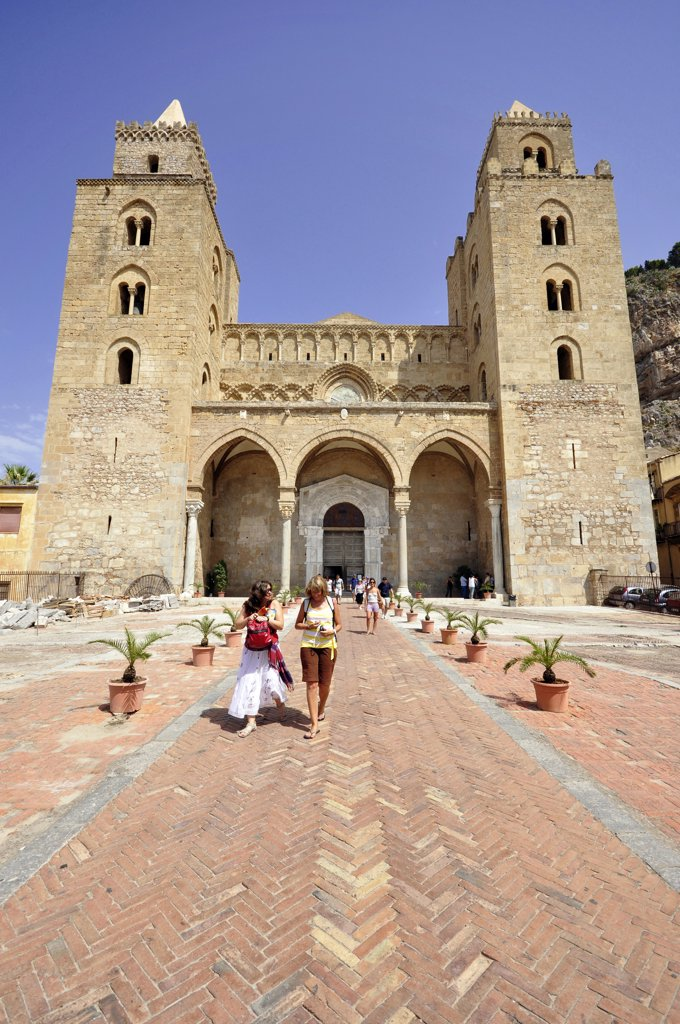 Stock Photo: 4292-118490 Italy, Sicily, Cefalu, the Cathedral