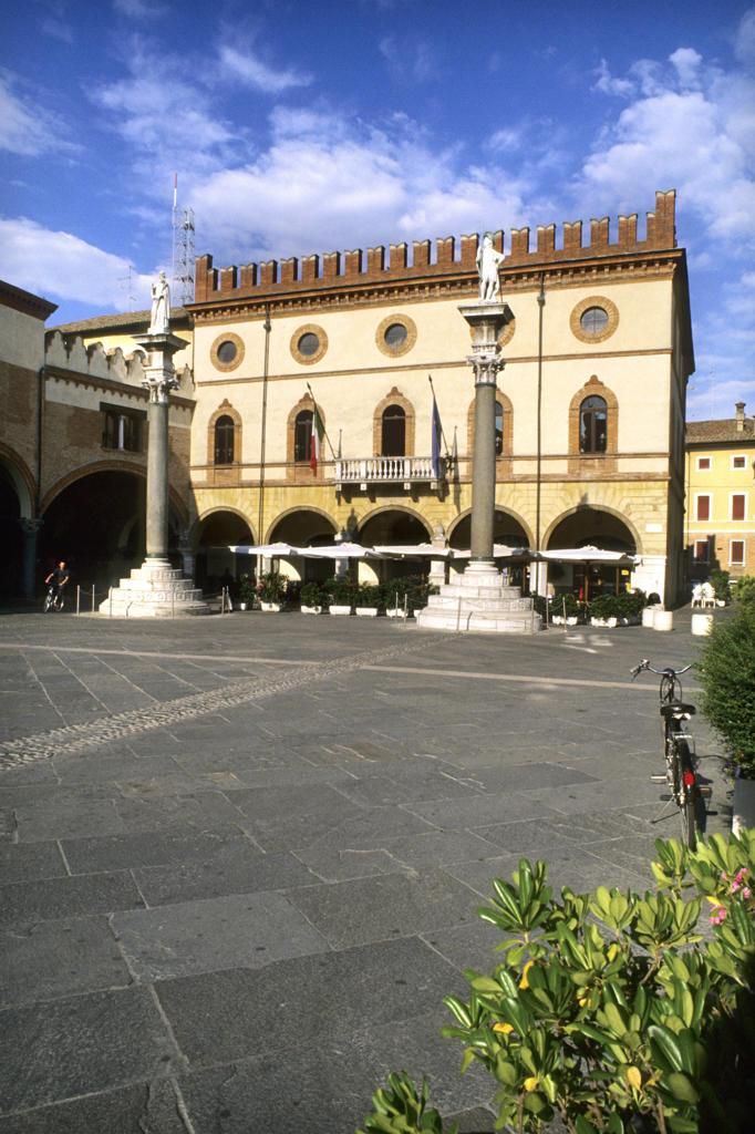 Stock Photo: 4292-123017 Italy, Emilia Romagna, Ravenna, Piazza del Popolo