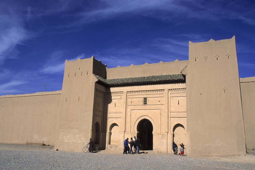 Morocco, Tafilalet region, the impressive door at the entrance of the city of Rissani : Stock Photo