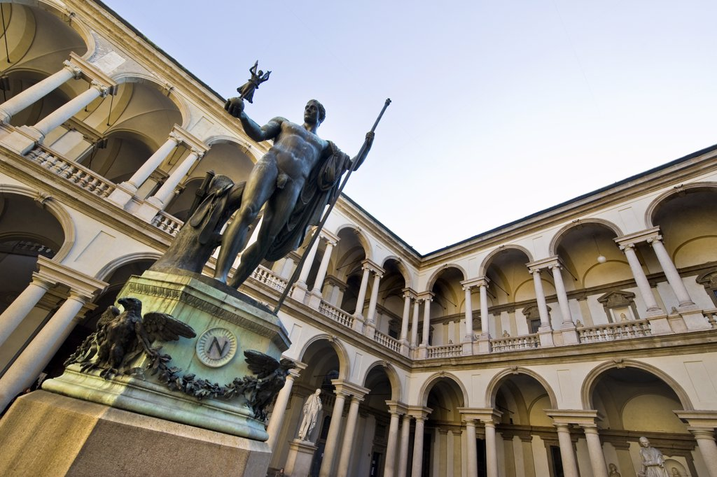 Stock Photo: 4292-125149 Italy, Lombardy, Milan, Brera Art Accademy, Courtyard with statue of Napoleon by Antonio Canova