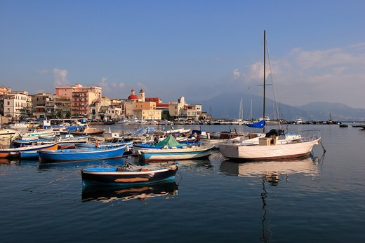 Stock Photo: 4292-127793 Italy, Campania, Torre del Greco, the harbour