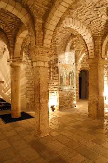 Italy, Molise, Trivento, interiors of San Castro cathedral crypt : Stock Photo