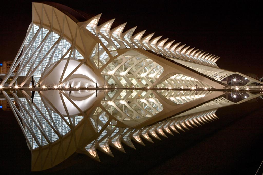 Spain, Valencia, City of Arts and science: Príncipe Felipe Science Museum : Stock Photo