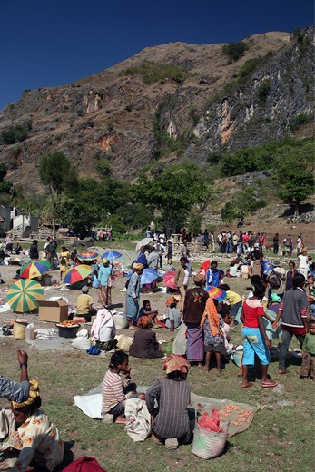 The weekly market in Aituto in the mountain region to the south of Dili of the capital of the east Timor with Tutuala, the east Timor. : Stock Photo