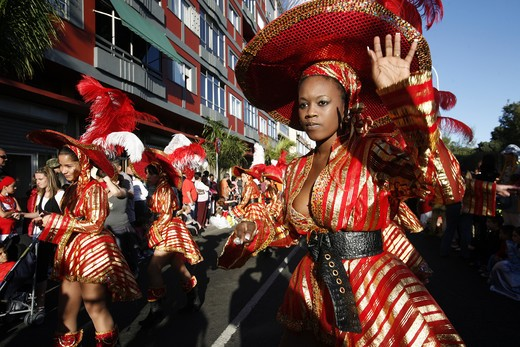 A woman in the carnival of reading Palmas of the capital the insel grain Canaria on the Canary islands in the Atlantic, Spain. : Stock Photo