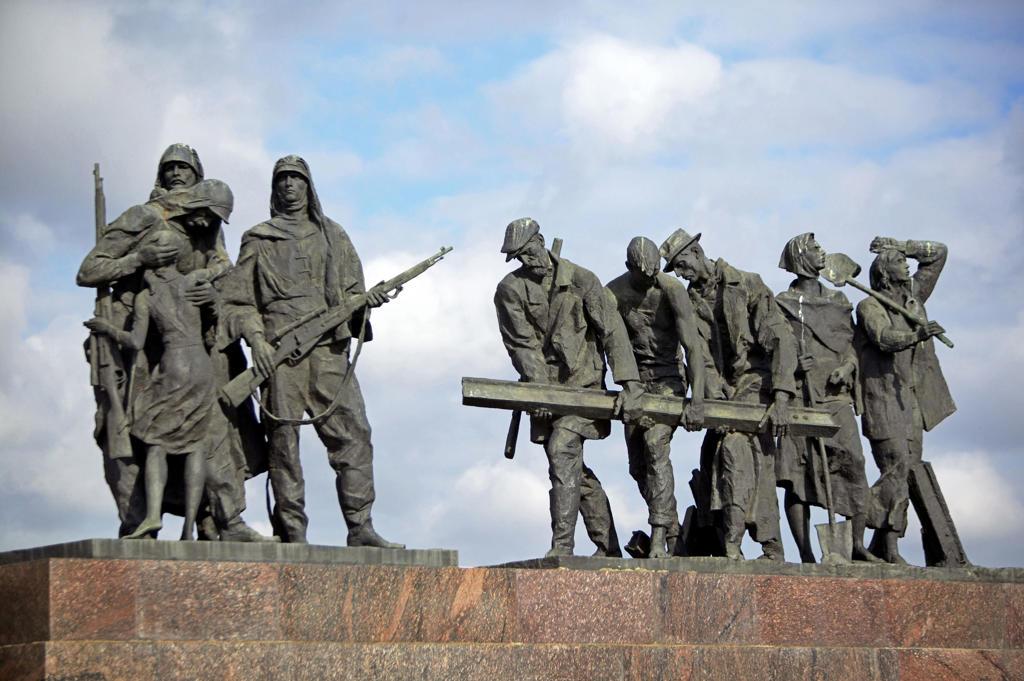 Stock Photo: 4292-130889 Sankt Petersburg, Denkmal fuer die Verteidiger Leningrads, Saint Petersburg monument for the defender of Leningrad Russia