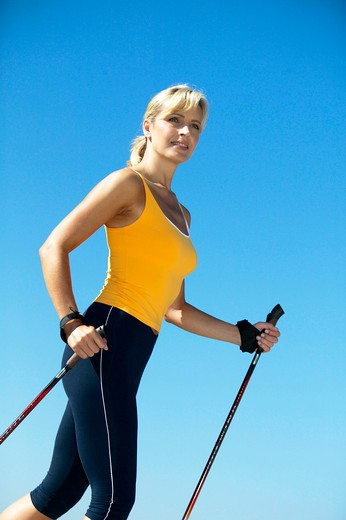 Frau beim Nordicwalking, nordicwalking woman : Stock Photo