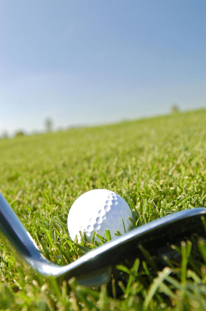 Stock Photo: 4292-131287 Golfball und Golfschlaeger